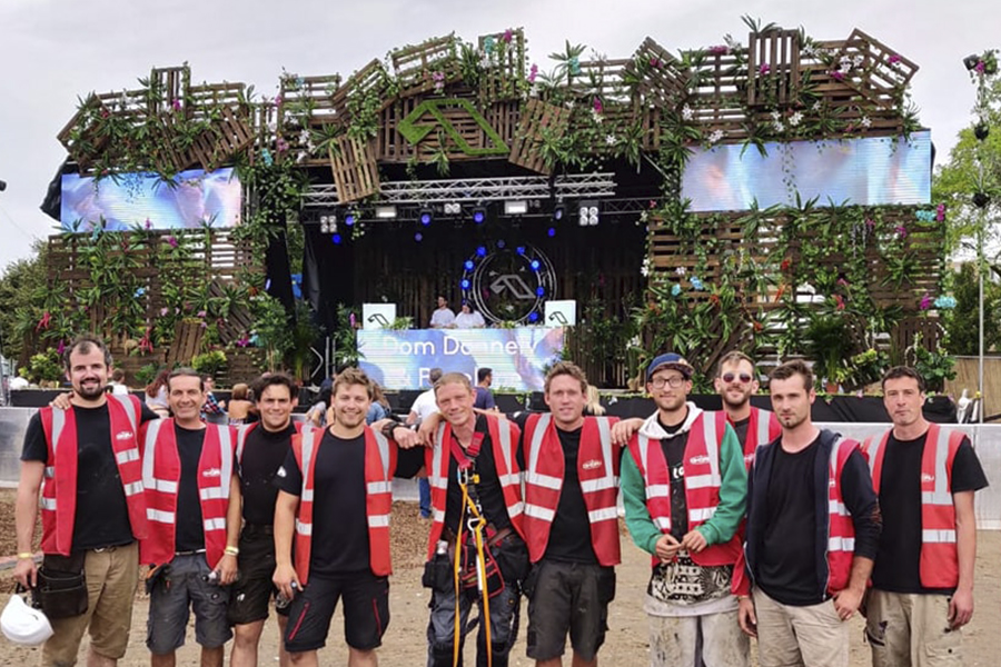 okoru team our story stage design