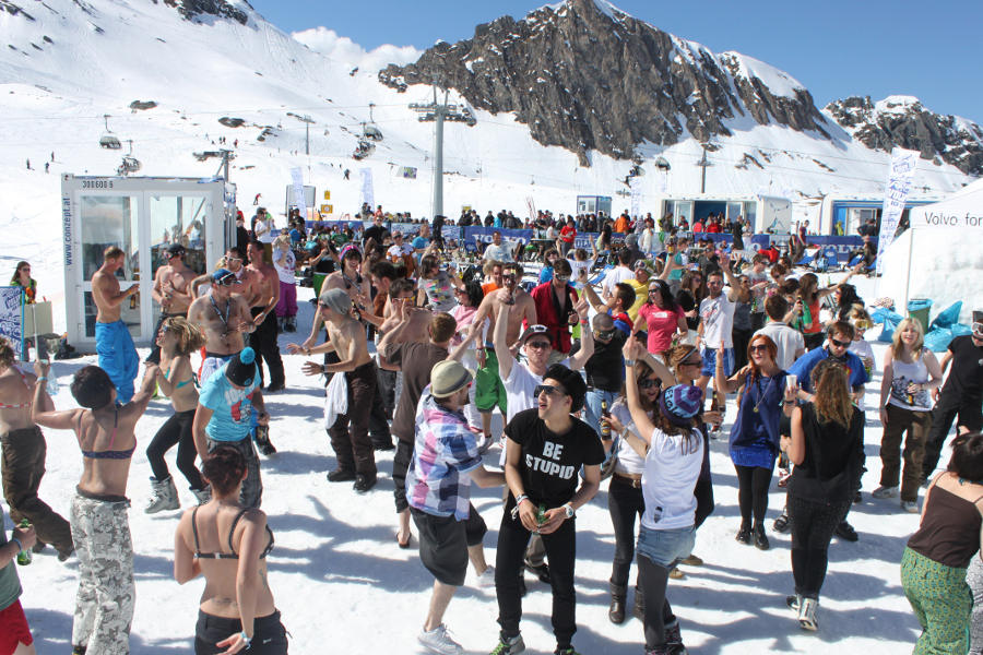 snowbombing-tour-experiential-events-alps-mayrhofen