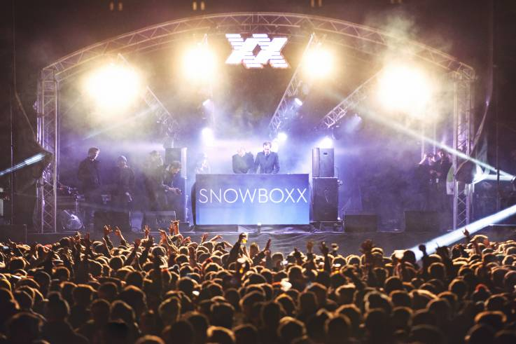 snowboxx main stage event production alpine